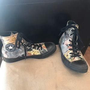 c8c3a32e5e97 Converse Shoes - Converse high top size 6 Female in great condition